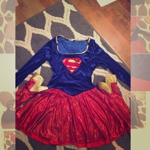 Women's small superwoman costume